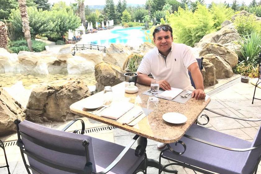 Mága Zoltán Thessaloniki egy mesés, ötcsillagos szállodájában időzött görögországi tartózkodása során.
