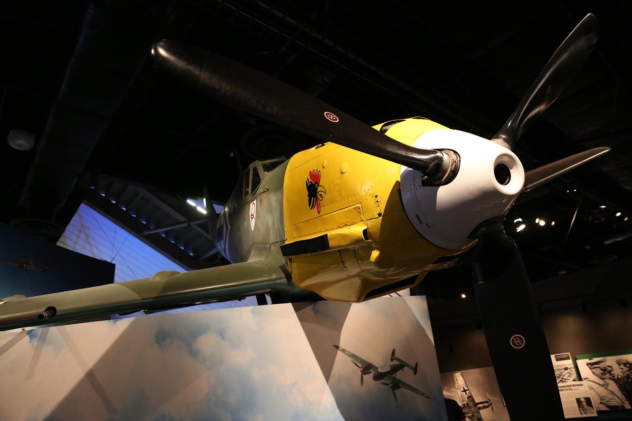 A második világháborús repülőgépeket bemutató kiállítás egy 1943-as német Messerschmitt Bf 109 E-3 vadászgéppel indul...