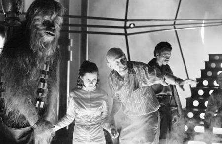 Peter Mayhew, Carrie Fisher, Irvin Kershner és Billy Dee Williams az 1980-as A Birodalom visszavág forgatásán (forrás: Lucasfilm)