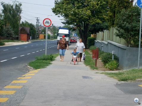 Kistelepülésen a járdára terelést kötelező használni