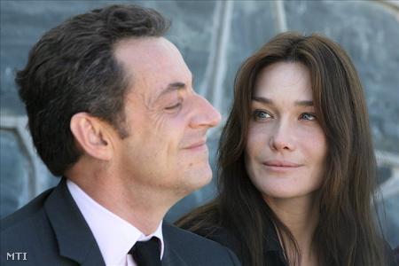 Sarkozy a média előtt hivalkodott viszonyáról Brunival