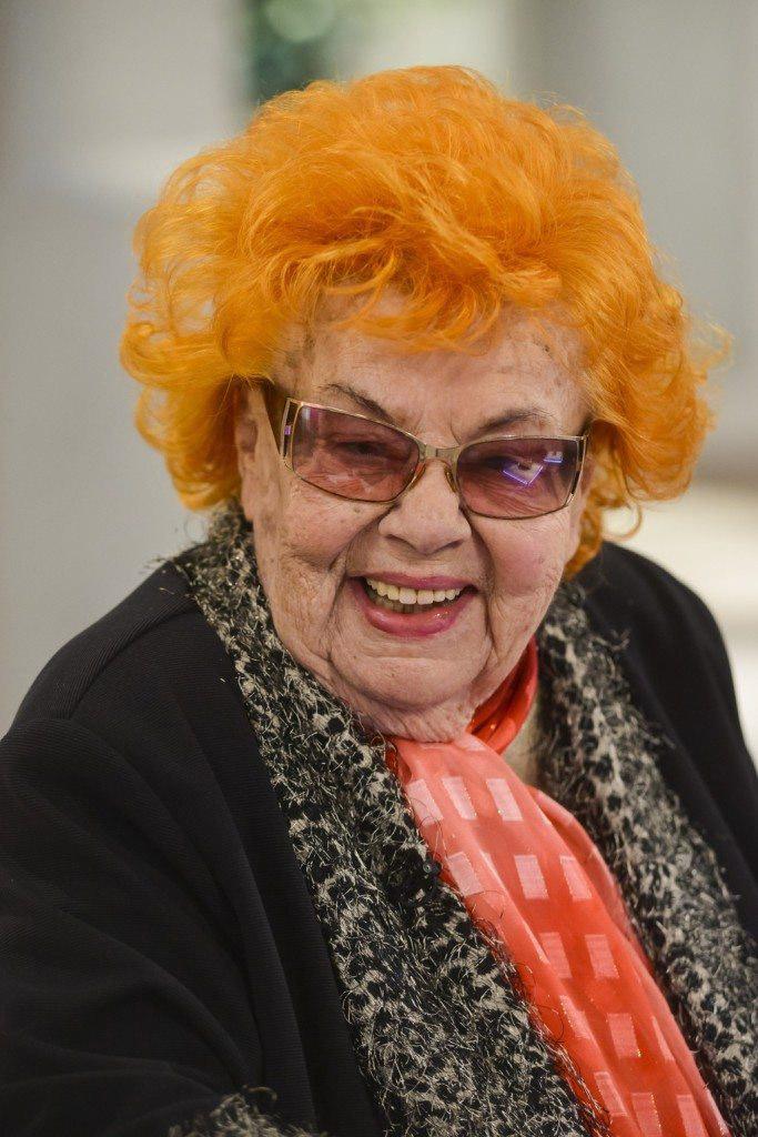 Lorán Lenke Jászai Mari-díjas színésznőt augusztus 27-én, pár hónappal a kilencvenedik születésnapja után győzte le súlyos betegsége. A páratlan energiájú és humorú komikát mindenki imádta a Família Kft. című sorozatban is.