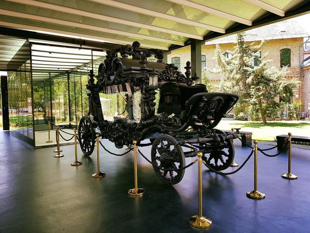 Apponyi-gyászhintó, a világ egyik legnagyobb gyászhintója