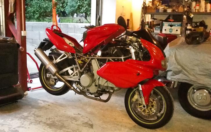 Ha nem javítasz meg, felkötöm magam! - mondta a Ducati, és így tett