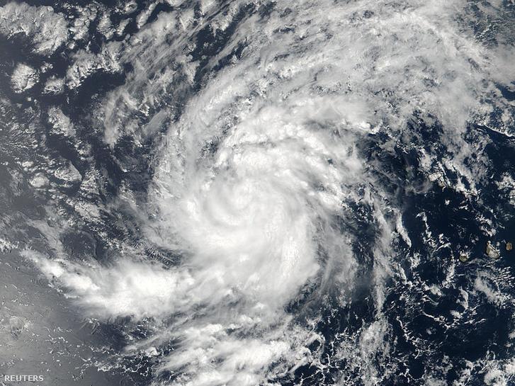 Az Atlanti-óceán keleti térségében készült műholdkép az Irma névre keresztelt hurrikánról.