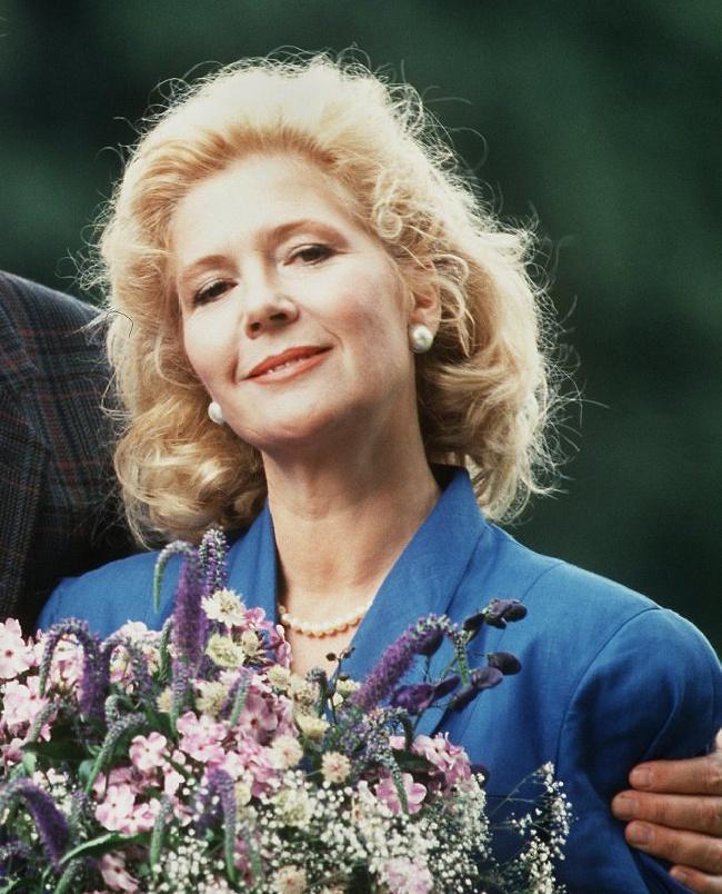 Christiane Hörbiger alakította Christine von Guldenburgot a sorozat negyven epizódjában.