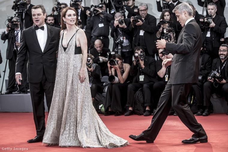 És persze hozta a formáját akkor is, amikor a film többi készítőjével találkoztak össze a vörös szőnyegen.