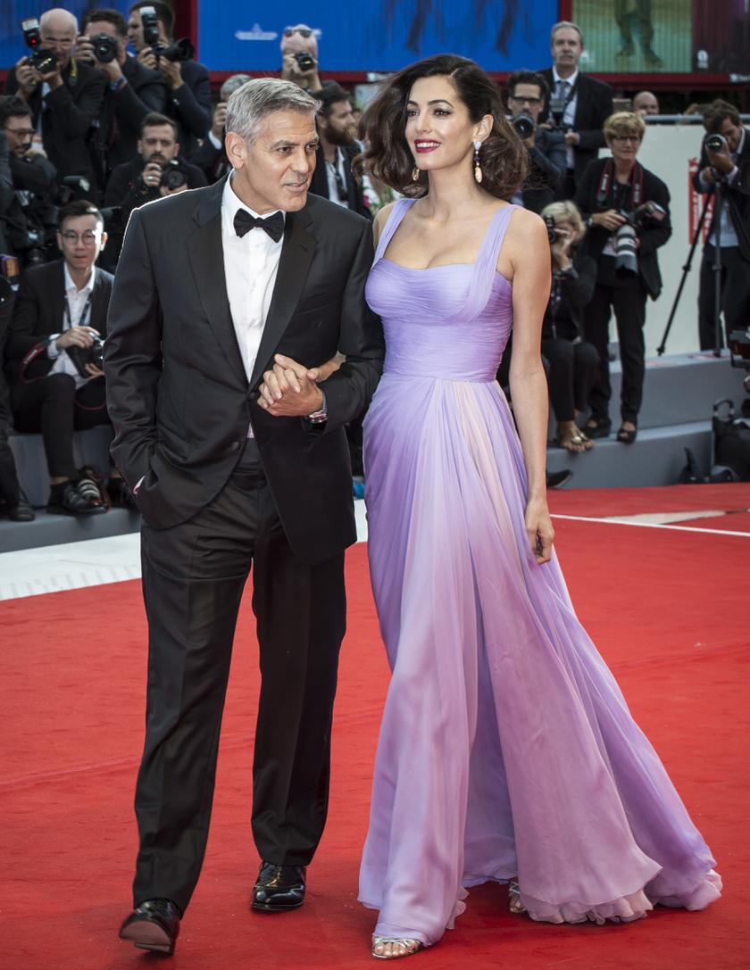 Amal Clooney úgy nézett ki, mint egy mesebeli hercegnő ebben az Atelier Versace estélyiben.
