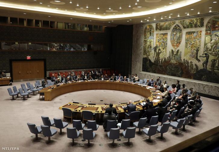 Az ENSZ Biztonsági Tanácsa az észak-koreai helyzetről ülésezik a világszervezet New York-i székházában 2017. augusztus 29-én.