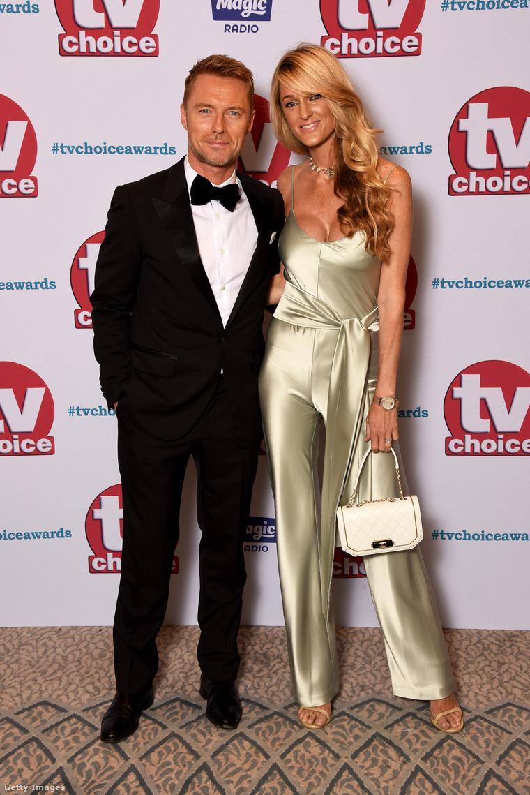 Ronan Keatingnek ő a második felesége.