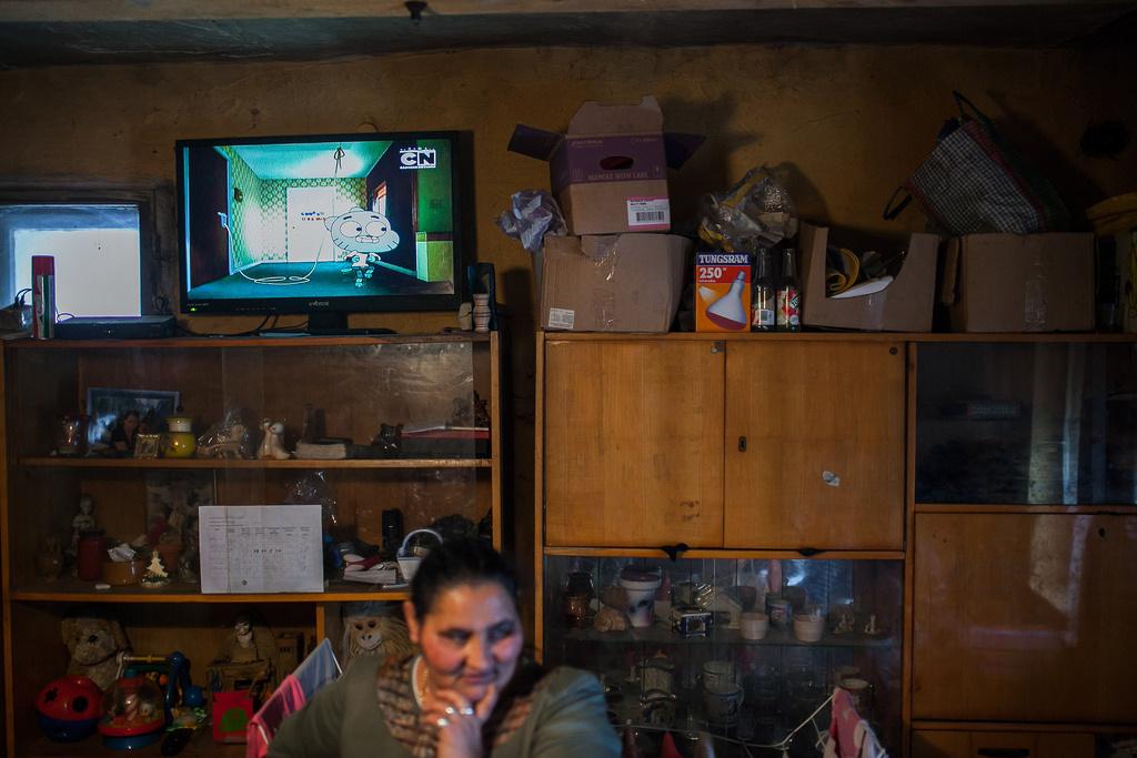 ToldA KSH adatai szerint az összes tévézésre szánt időnek 15 százalékában csak a háttérben ment a műsor.