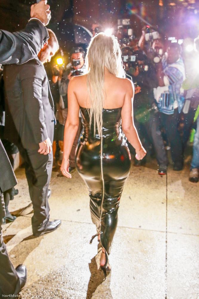 Amikor Osbourne sajtósai jelezték, hogy az interjú véget ért, kacarászva megjegyezte, milyen kár, egész nap tudtam volna folytatni.Tegyük hozzá, egy évvel ezelőtt még ő is arról posztolt az Instagramján, hogy mennyire megihlette Kardashian.