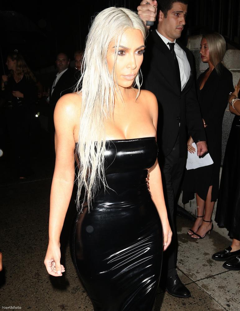 Így, ránézve Kim Kardashian arckifejezésére, azért most Sharon Osbourne-nak is irgalmazzon a Jóisten