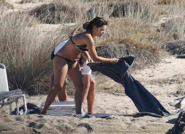 Emlékeznek még? A nyár során csináltunk egy normális nők a strandon sorozatot, amiben átlagos testalkatú celebeket mutattunk be bikiniben