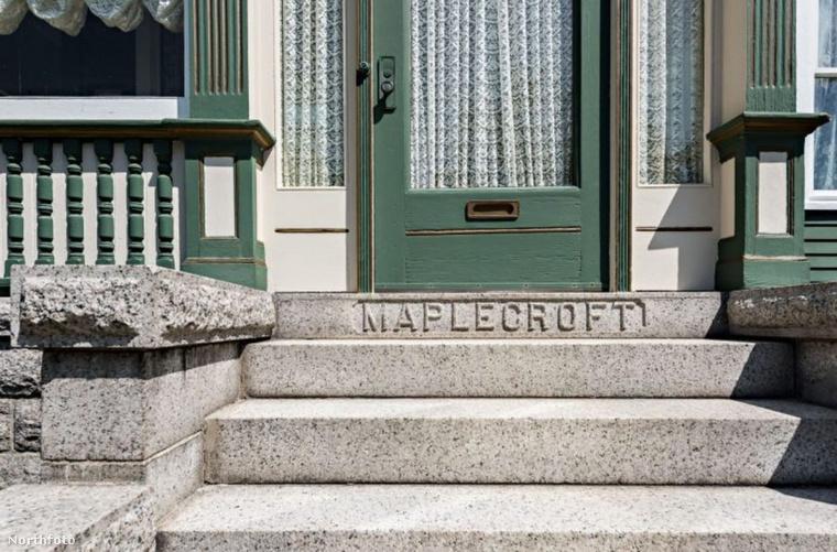 amely Maplecroft Mansion néven vált ismertté