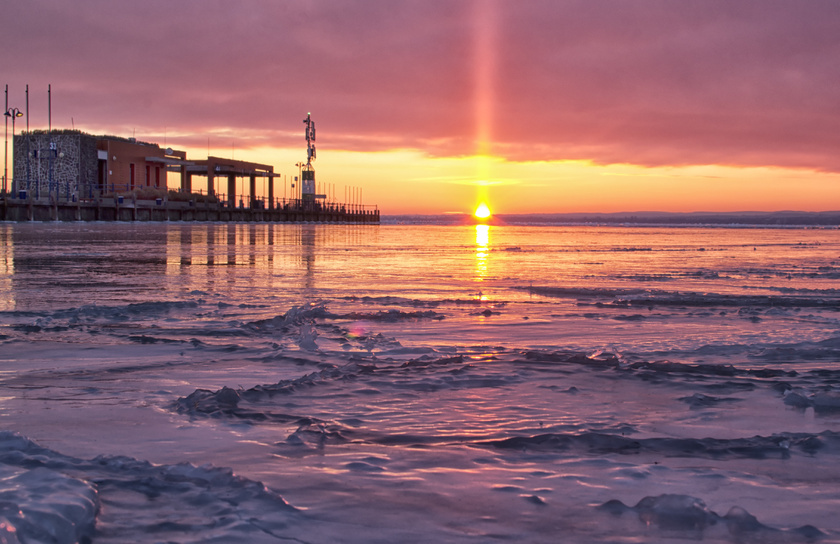 Januári napfelkelte a Tihanyi-félszigetről: egy gyorsan múló gyönyörűség.