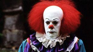 Kegyetlen parabohócok terrorizálják az Az-nézőket a mozikban