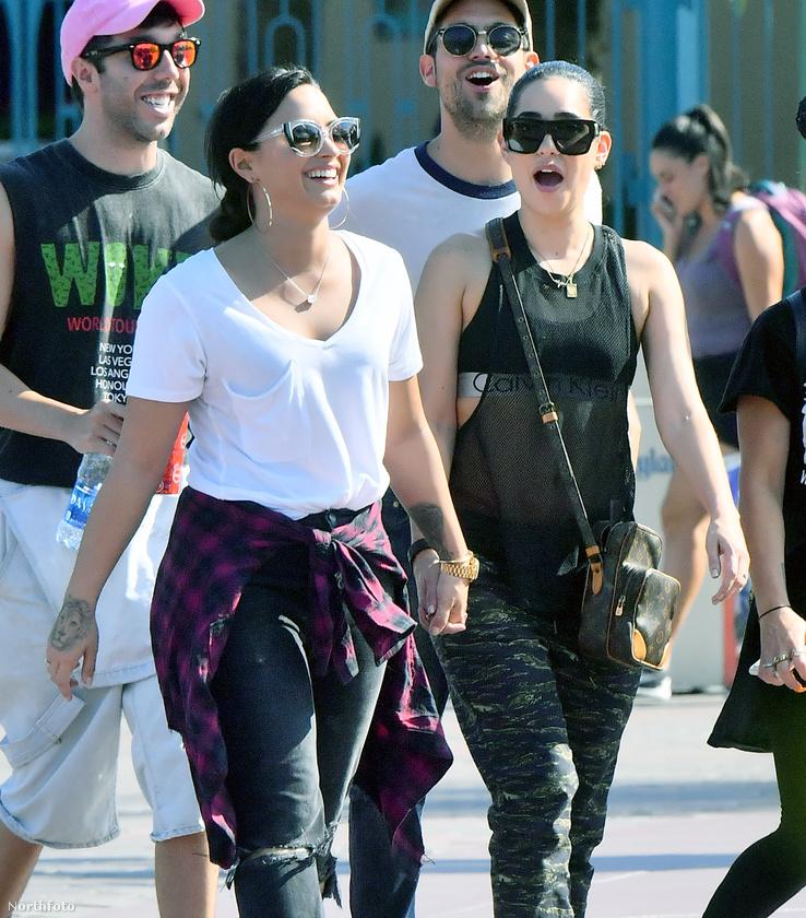 Abedini egyébként nyíltan vállalja leszbikusságát, Lovato azonban egyelőre nem nyilatkozott egyértelműen szexuális orientációjáról.