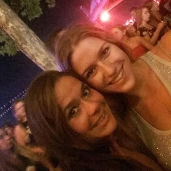 Geszler Dorottya 1989-ben a Miss Hungary harmadik helyezettje lett. Lánya, Laura már 21 éves, és Madridban tanul.