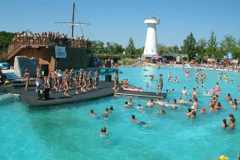 Az év fürdője 2015 után idén ismét a Hungarospa Hajdúszoboszló. Nemcsak az ország, de Európa legnagyobb fürdőkomplexuma: gyógyfürdő, strand, aquapark, uszoda és élményfürdő is egyben.