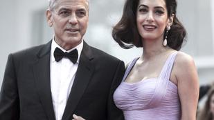Szegény Clooney-t hanyagolják az ikrei, mert neki nincs melle