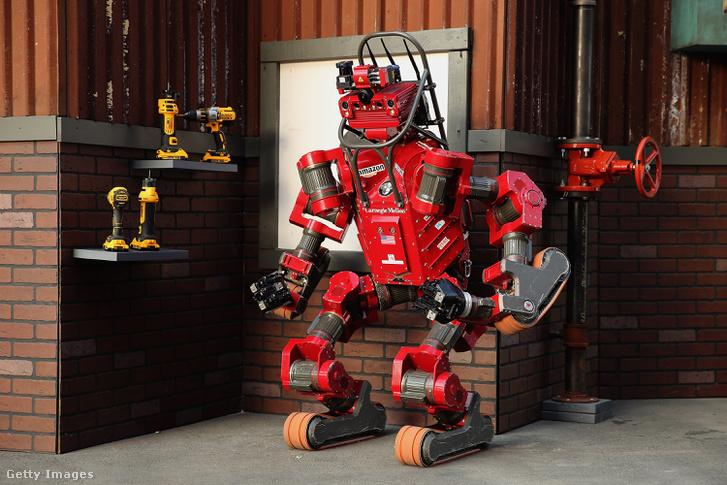 A Darpa saját fejlesztésű humanoid robotja