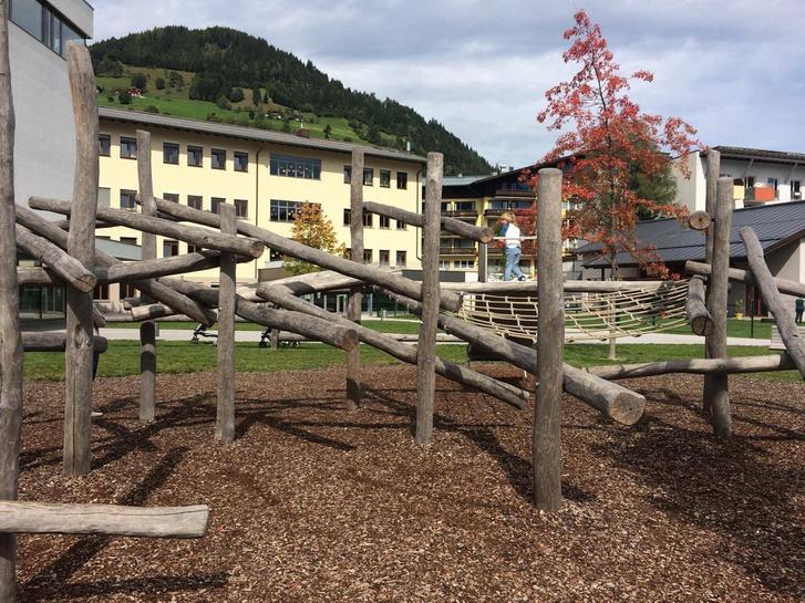 osztrák falu játszótér