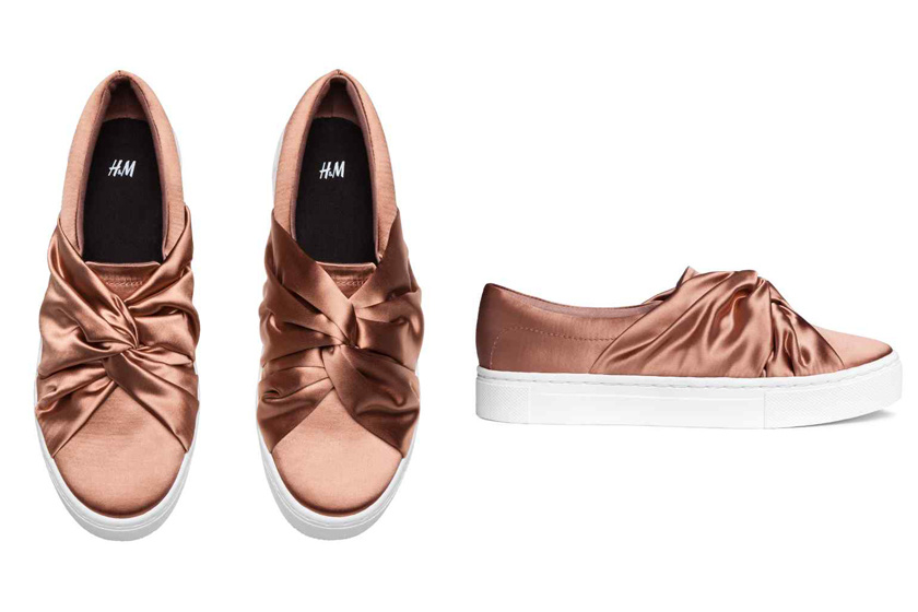 A H M szupernőies és csinos slipperjét pedig szintén 8990 forintért  szerezheted be. Azon kívül hogy ead7683951