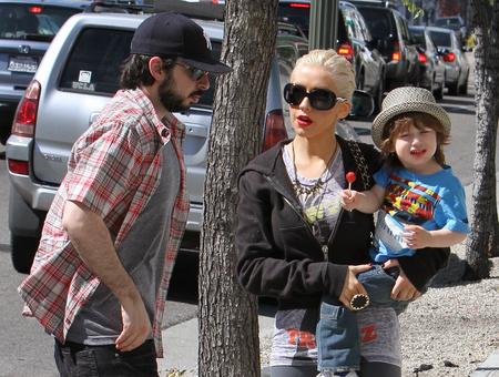 Aguilera még Bratmannel és fiával, Maxszel