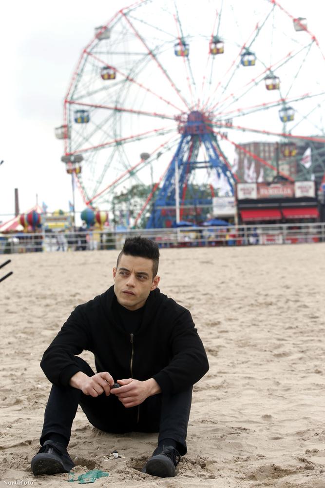 Szóval Rami Malekre lehet, hogy csak a jövő karácsonykor bemutatandó Queen-film miatt figyeltek fel igazán, de minimum a Mr