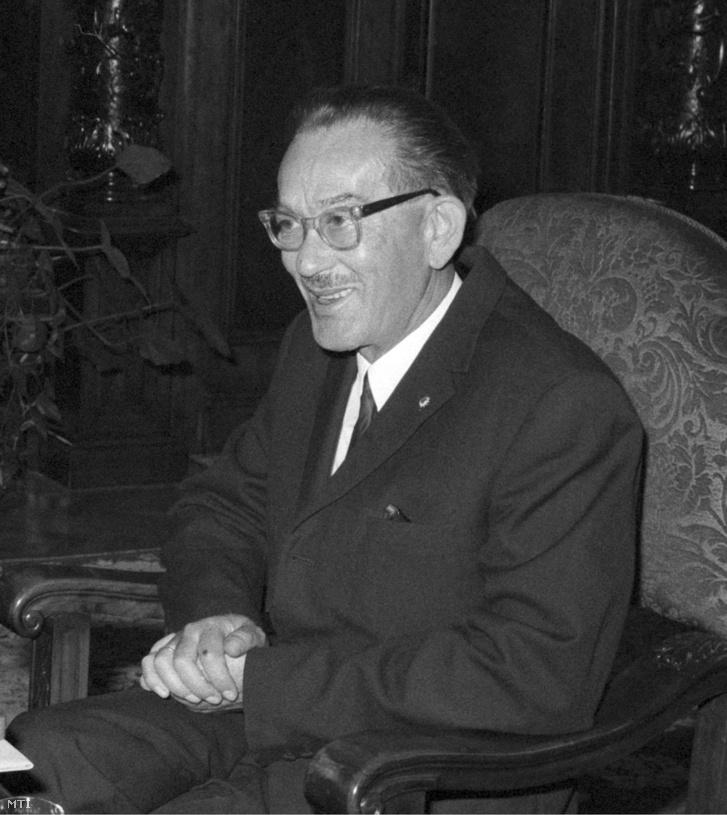 A Magyar Népköztársaság Elnöki Tanácsa a Munka Vöröszászló Érdemrendjét adományozta dr. Vida Ferencnek, a Legfelsőbb Bíróság Kollégiuma helyettes vezetőjének nyugállományba vonulása alkalmából. A kitüntetést 1972. április 27-én Losonczi Pál, az Elnöki Tanács elnöke adta át.