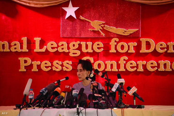 Aung Szan Szú Kjí még 2015-ben az ellenzéki erők vezetőjeként, a választások előtt.