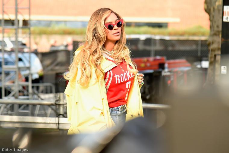 Nagyjából az ikrek születése óta nem lehetett túl sokat hallani Beyoncéról