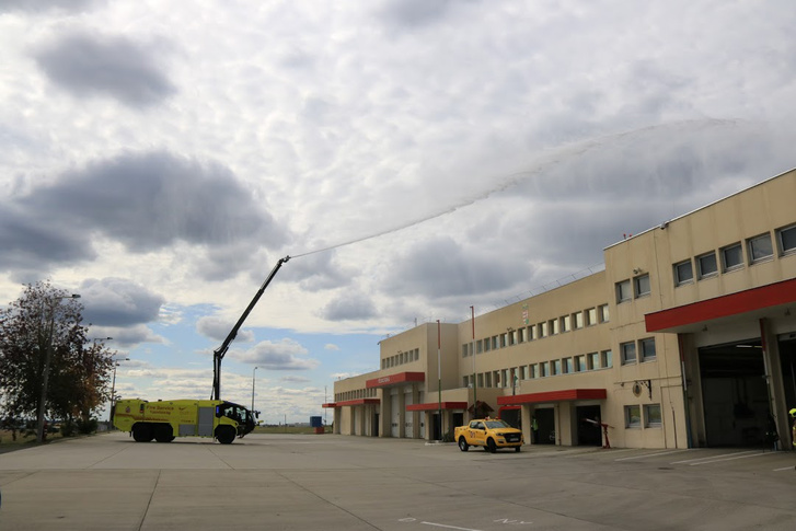 Az oltókarral épületeket is lehetne oltani
