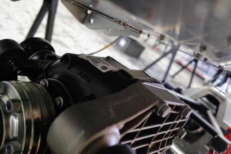 BMW váltó mögé BMW difi az Aero 8 alá.