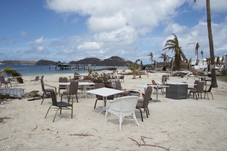 Saint Martin szigeten a hurrikán pusztítása után.