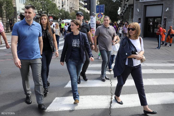 A szerb kormányfő érkezik a belgrádi Pride-ra
