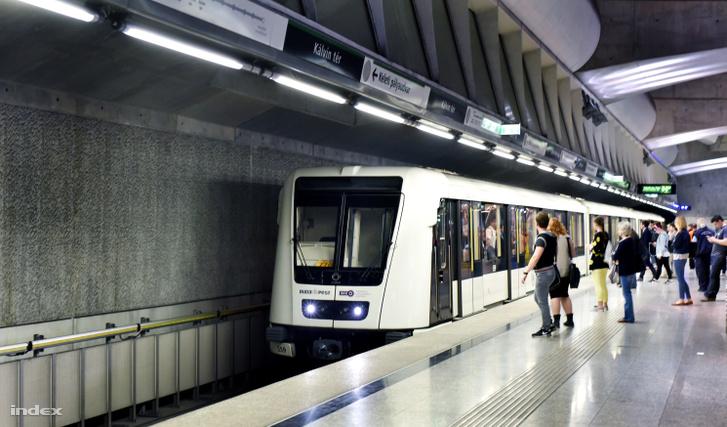 A 4-es metró egyik állomása