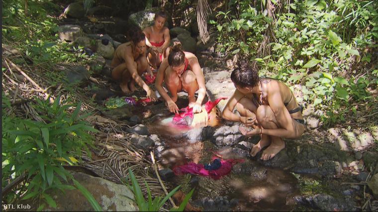 Pisilni és egyéb dolgokat intézni két helyen tudtak: az erdőben és a vízben