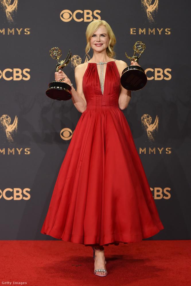 Megvolt az idei Emmy-kiosztó, és az egyik nagy győztes Nicole Kidman volt, folytatva a Hatalmas kis hazugságok elképesztő sikerszériáját, aminek kapcsán Kidmant már-már Meryl Streephez lehet hasonlítani