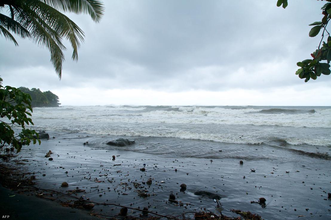 Így néz ki a part a vihar érkezése előtt Guadalupén