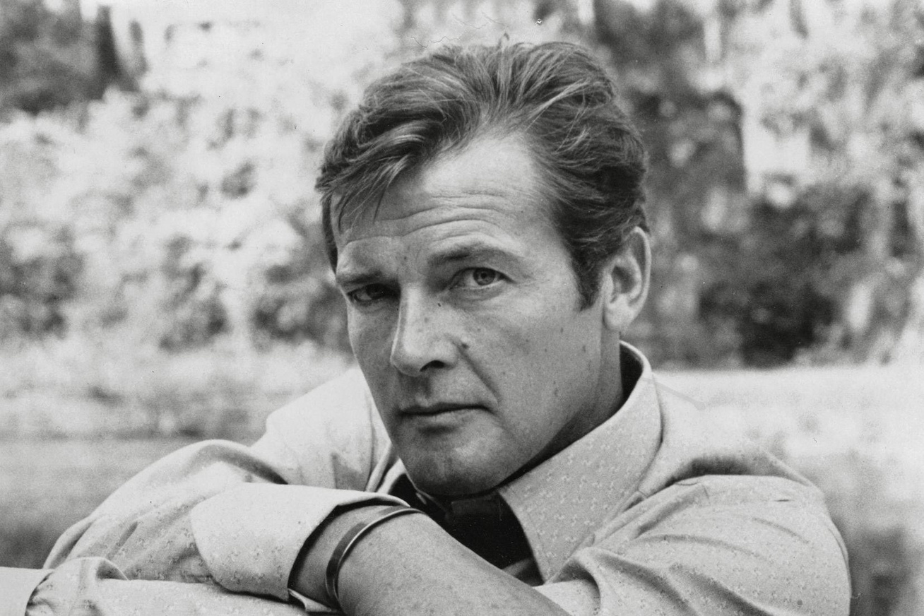 roger-moore-cover-1