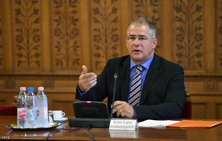 Kósa Lajos kinevezés előtti meghallgatásán az Országgyűlés gazdasági bizottságának ülésén a Parlamentben
