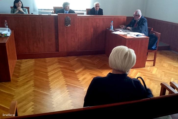 F-né Ny. Éva a bíróságon