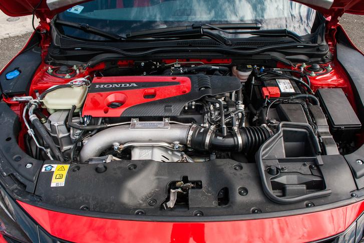 A szelepvezérlés módosításával találta az elődhöz képest plusz tíz lóerőt a Honda