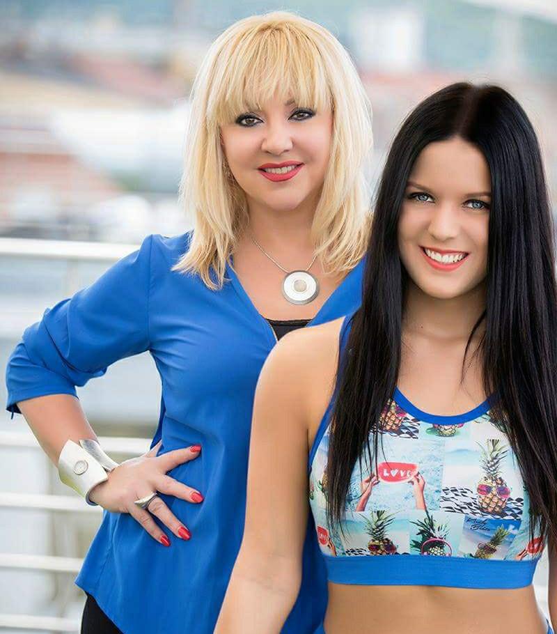 Zoltán Erika lánya, Kátai Zoé Roberta 1997-ben született meg. Nem az éneklést, hanem a táncot választotta, jelenleg tánctanárként dolgozik.