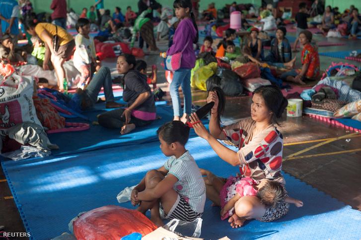 Evakuáltak egy átmeneti szálláson