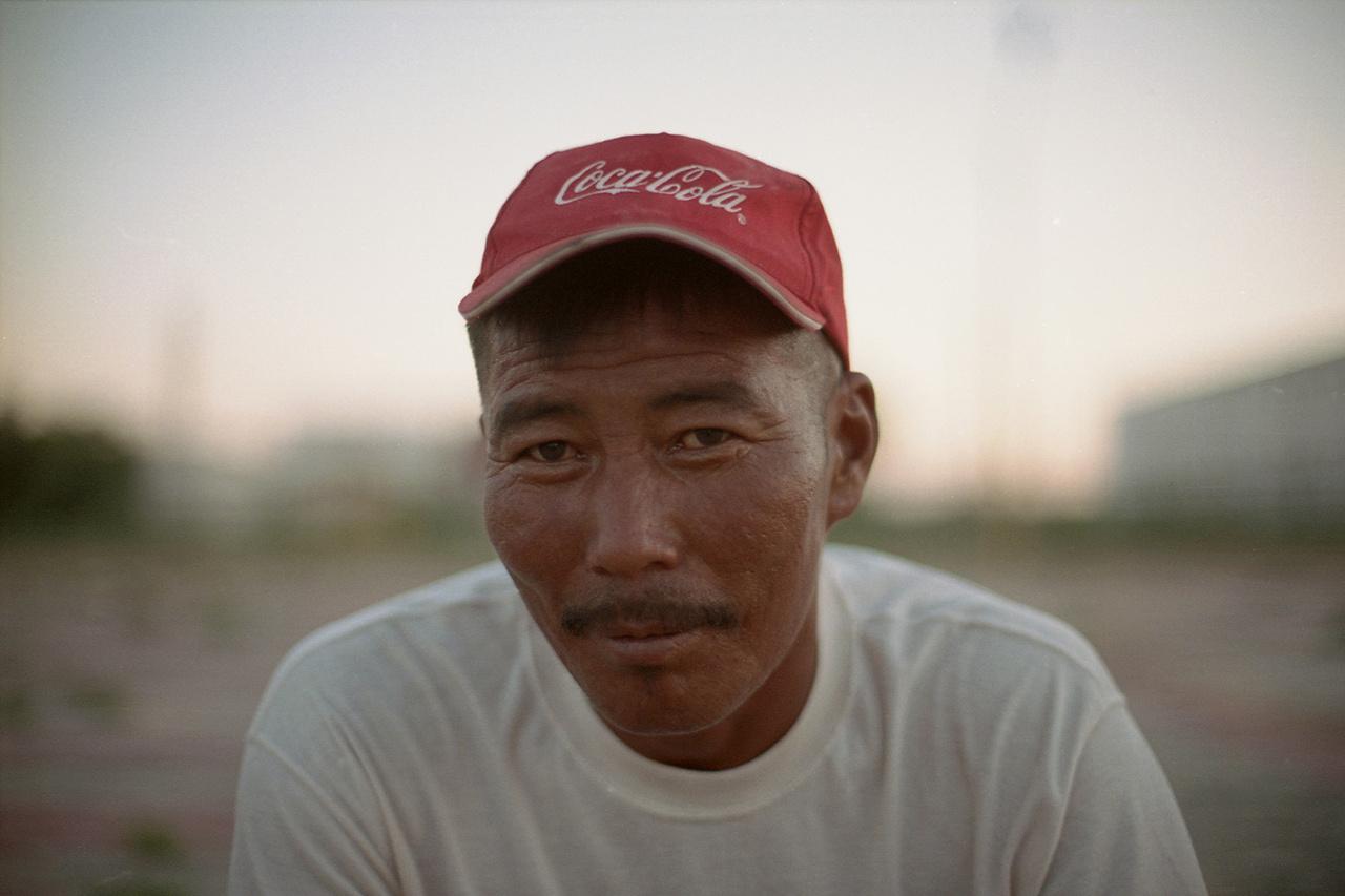 A mongol emberek valamiért imádják a Coca-cola-t. Töméntelen mennyiségben képesek fogyasztani, korosztálytól függetlenül.