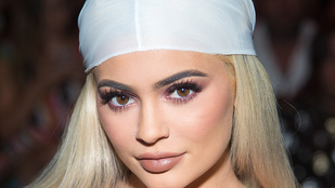 Kylie Jenner és Cooky 21 éves barátnője is terhes