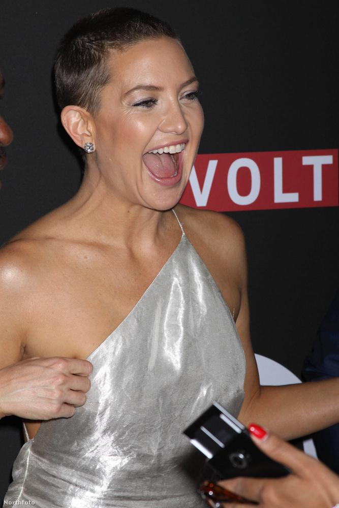 Ilyen horderejű nőifej-borotválás talán Natalie Portman és Charlize Theron óta nem volt Hollywoodban